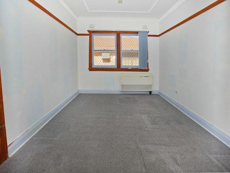 10 McCauley Street, Thirroul NSW