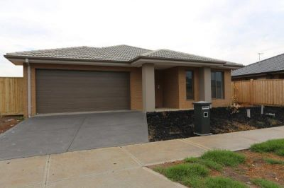 Brand New 4 Bedroom Home in a Great Location - A Lifestyle To Enjoy!