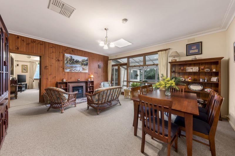 For Sale By Owner: 99 Research-Warrandyte Rd, North Warrandyte, VIC 3113