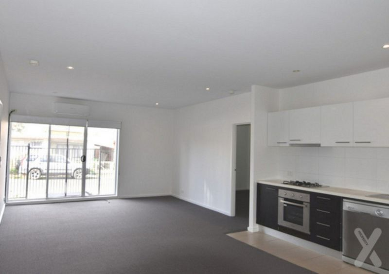LARGE - 2BR Apartments, Recently Renovated - 90 SQUARE METERS IN SIZE! + CITY VIEWS!!! ------->> PRIVATE INSPECTIONS AVAILABLE!!