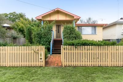 CHARACTER HOME IN TIGHLY HELD MOUNT LOFTY!