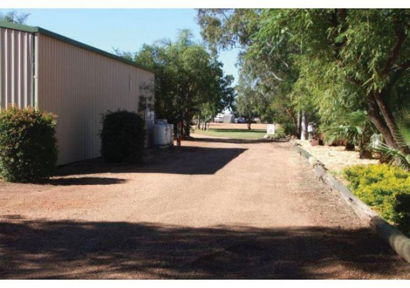 Established Freehold Caravan Park On 9112sqm - Dirranbandi, Qld