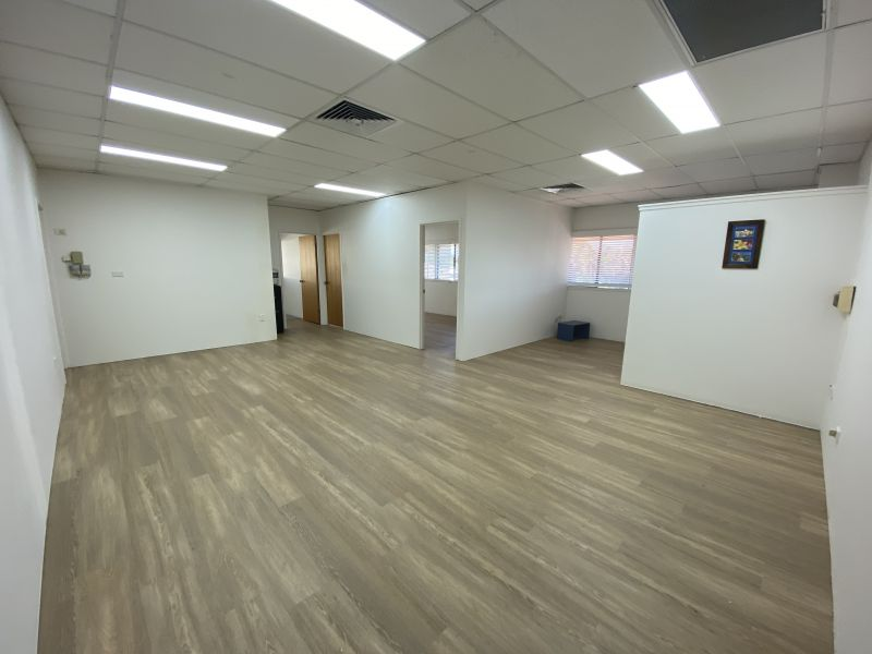 LIGHT FILLED 99SQM COMMERCIAL SUITE IN THE HEART OF PALM BEACH