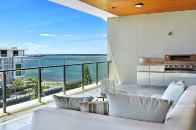 Spectacular North Facing 345m2*Penthouse - Breathtaking Broadwater Views