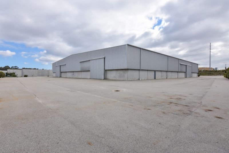 WAREHOUSE OF 3,050SQM PLUS 500SQM OFFICE