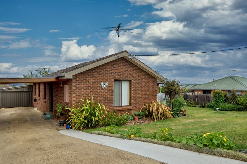 For Sale By Owner: 21 Wallace Street, Newnham, TAS 7248