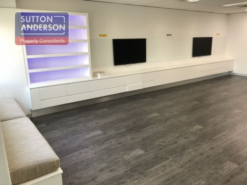 STUNNING OFFICE/PRODUCTION/WAREHOUSE UNIT