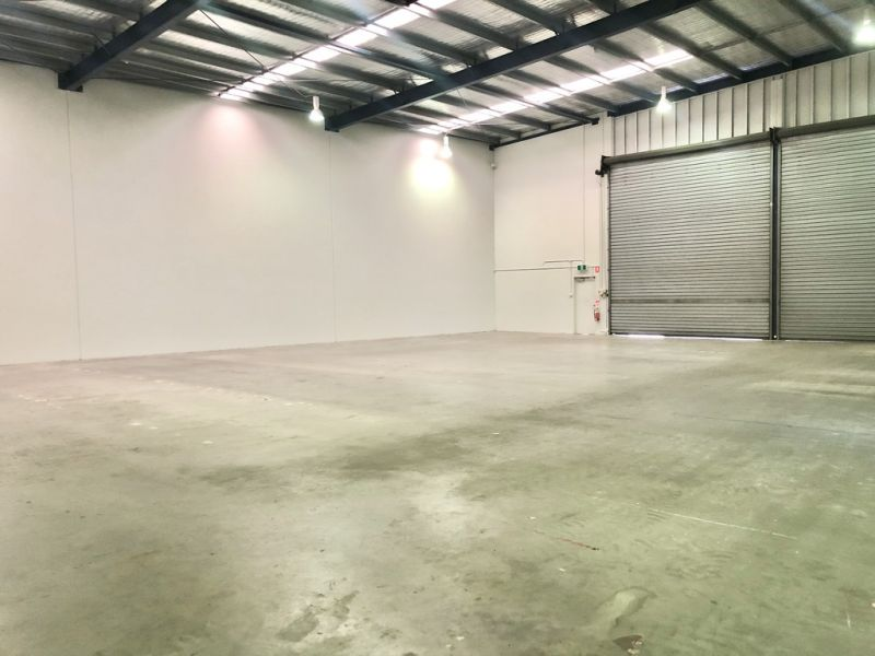 FREESTANDING WAREHOUSE IN CANNON HILL CORPORATE PARK