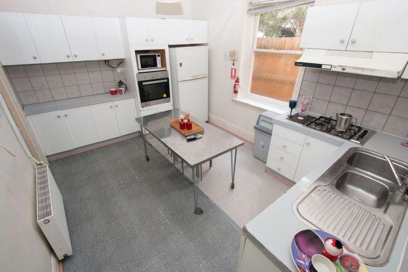 Private Rentals: St Kilda, VIC 3182