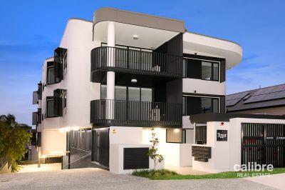 Brand new Art Deco Apartment