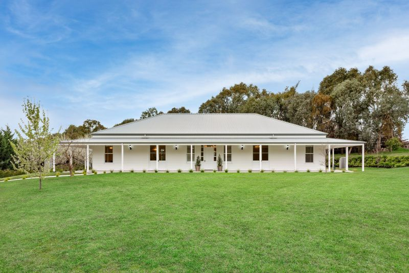 For Sale By Owner: 110A Brewer Drive, West Wodonga, VIC 3690