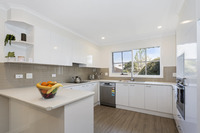 Beautifully presented home with a stunning upgrade – ready to move into now!