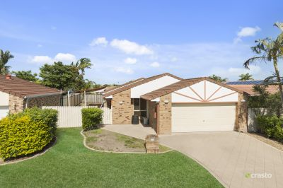 3 BEDROOM HOME WITH POOL IN VARSITY COLLEGE CATCHMENT AREA!