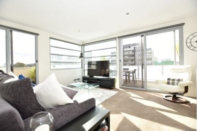 Spectacular Fully Furnished Double Storey Apartment in South Yarra!