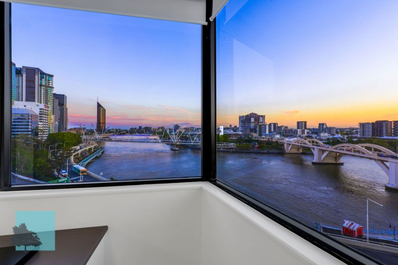 River & City Views! Perfectly positioned!>