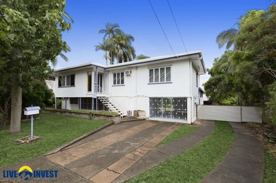 What a great start for the next Owner, add a Deck and enjoy the 1,056 sqm of land.   With good underground water, this block can be an Oasis.