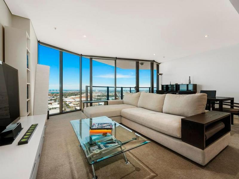 Blissful Docklands Living with Superb Bay Views