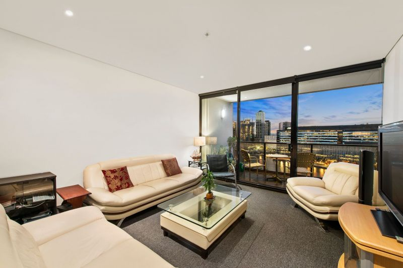 Waterside residence that will win you over