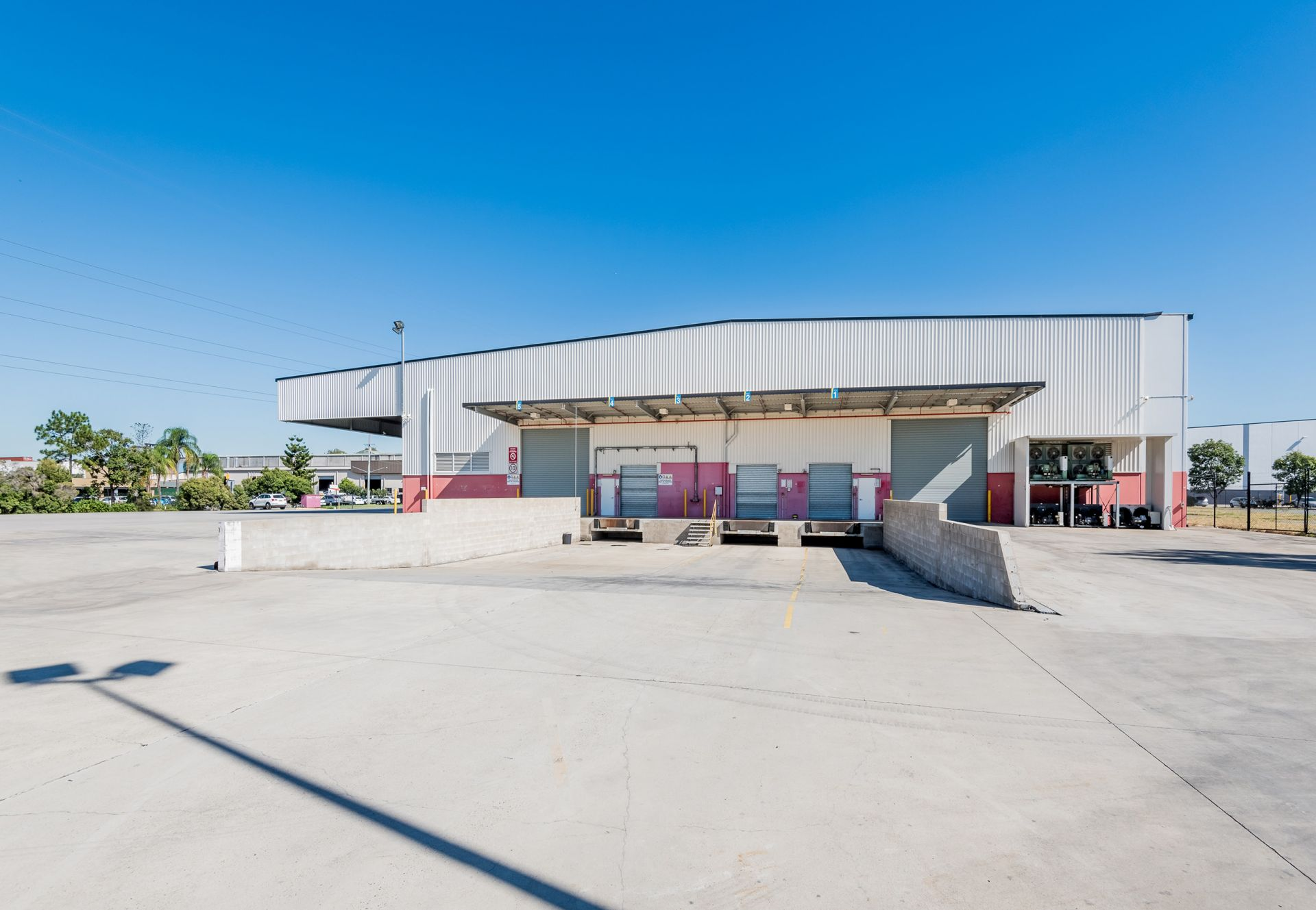 A-GRADE OFFICE/ WAREHOUSE WITH COLD STORAGE