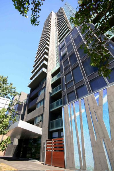 Victoria Tower: 3rd Floor - FULLY FURNISHED Southbank Sanctuary! L/B