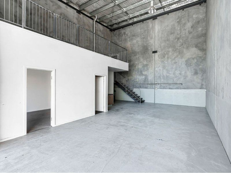 115sqm Warehouse/Office/Mezzanine
