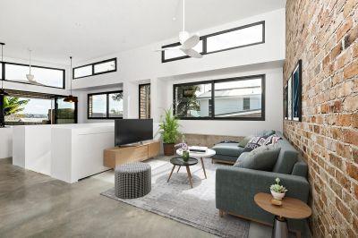 Modern Family Home - Premier Location