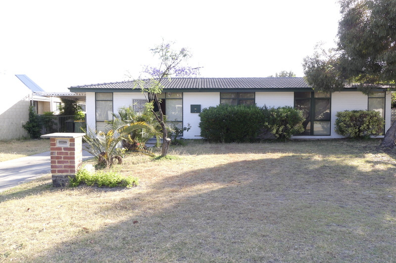 BACK ON THE MARKET -GREAT LOCATION PLEASANT FAMILY HOME