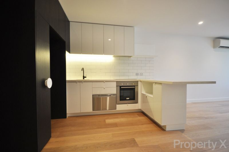 Live and work in the Hospital District! - 83 Flemington Road, North Melbourne