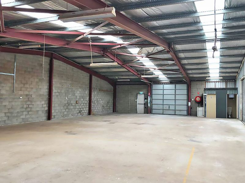 Dual access warehouse space with air conditioned offices...