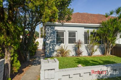 SOLD: Beautifully Renovated House with Charming Period Features
