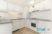 = HOLDING DEPOSIT RECEIVED = SPACIOUS AND PERFECTLY LOCATED STUDIO APARTMENT INTHE HEART OF THE CBD