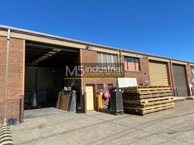 144sqm - Tidy Unit with Easy Access