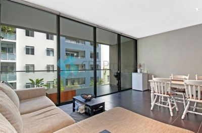 MANHATTAN STYLE STUDIO APARTMENT WITH CITY VIEWS OPEN FOR INSPECTION: WED 8 JULY - 1:00 TO 1:15PM