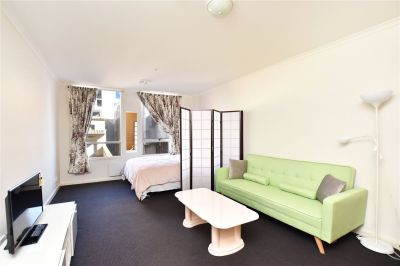 Stunning Fully Furnished Studio Apartment opposite the Iconic Flinders Station!