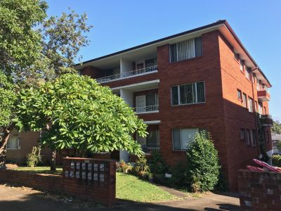 Too good to be missed ! 2 bed and 1 bed available now !!