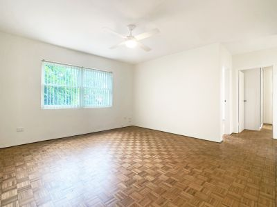 FULLY RENOVATED AND SPACIOUS APT, WELL POSITIONED AND WITH GARAGE!