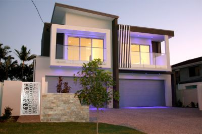 Your Brand New Slice of Paradise - Metres to Broadwater!