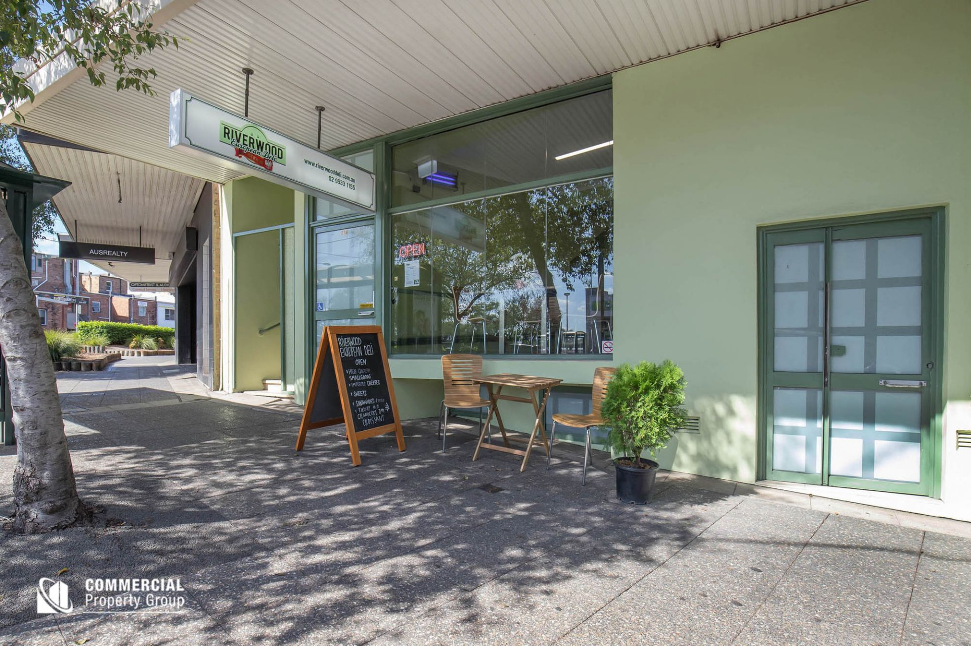 SOLID INVESTMENT - RETAIL & RESIDENCES