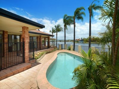 WOW! Picturesque 25 Meter Wide Waterfront Outlook