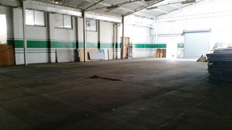 Large Warehouse With Massive Yard - Upton Street
