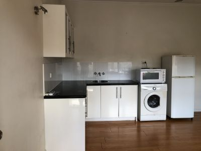 Single Bed unit in the heart of Gold Coast