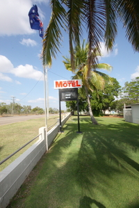 HILLVIEW MOTEL......  #1 ON TRIP ADVISER..... GREAT OPPORTUNITY