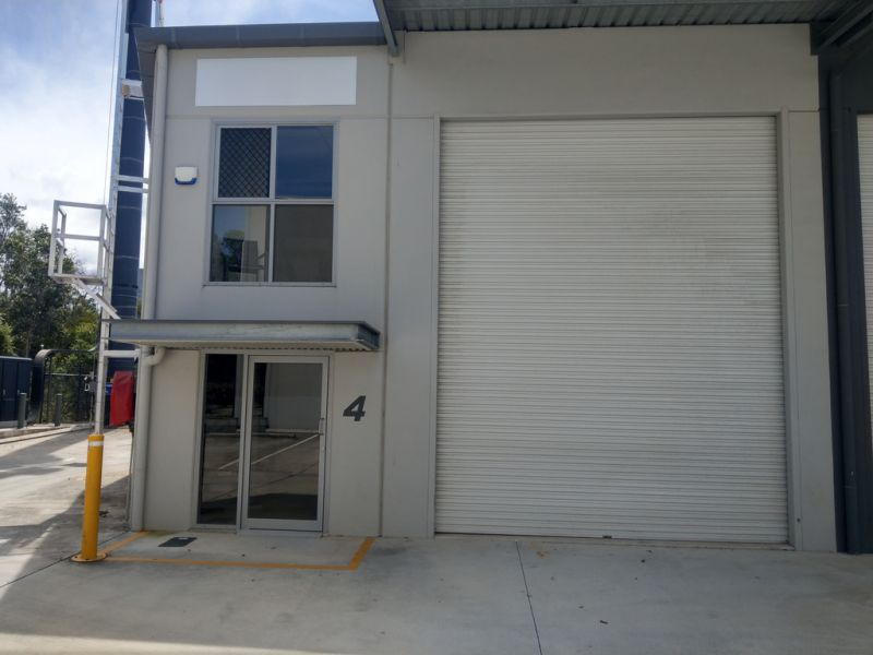 Tilt Panel Warehouse in North Lakes Park for Lease