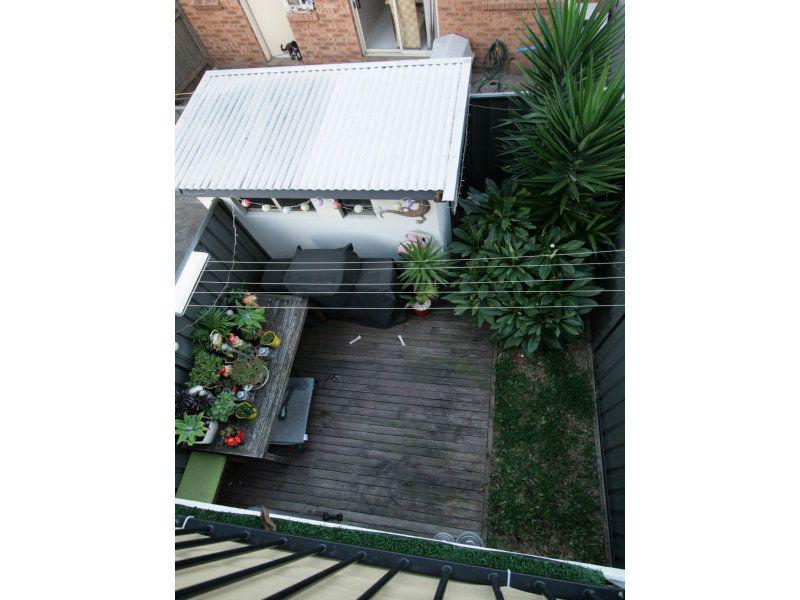 8/16 Railway Street, Corrimal NSW