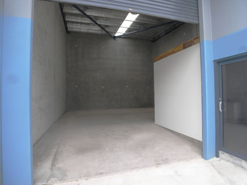 HIGH CLEARANCE WAREHOUSE WITH SMALL OFFICE
