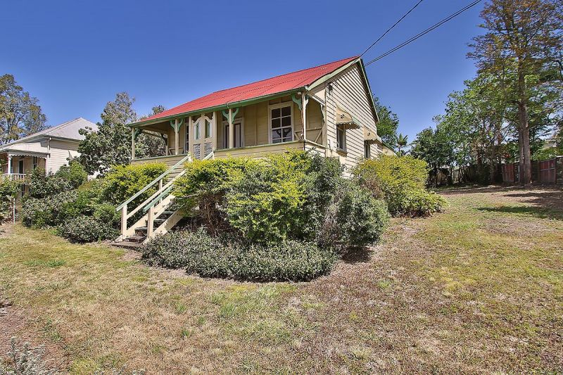 OFFERED TO THE MARKET FOR THE FIRST TIME SINCE 1915