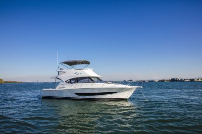 Unbelievable Value! Near New Townhouse - Marina Berth Included!