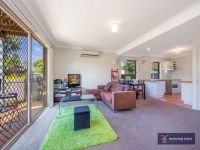 TWO BEDROOM TOWNHOUSE - AIR-CONDTIONED