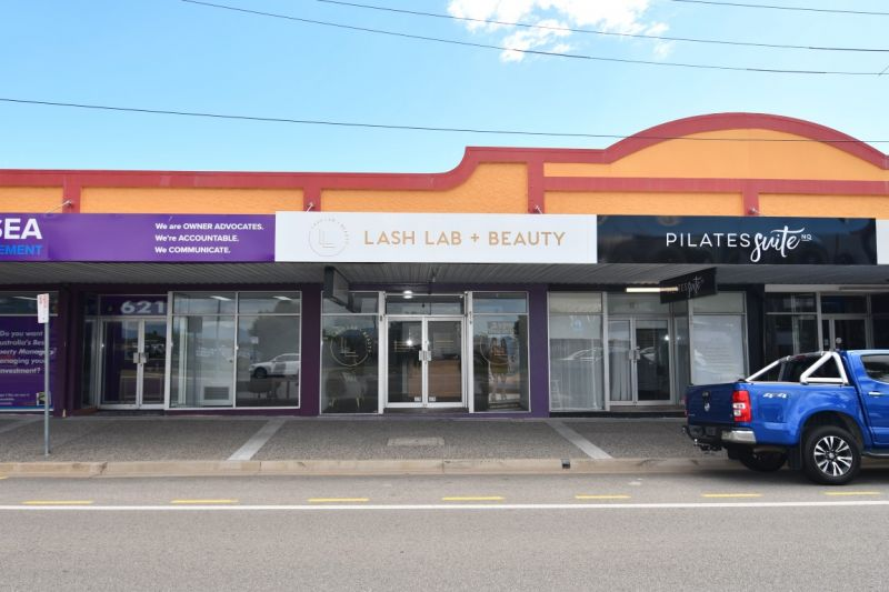 Flinders Street shopfront with high quality existing fit out