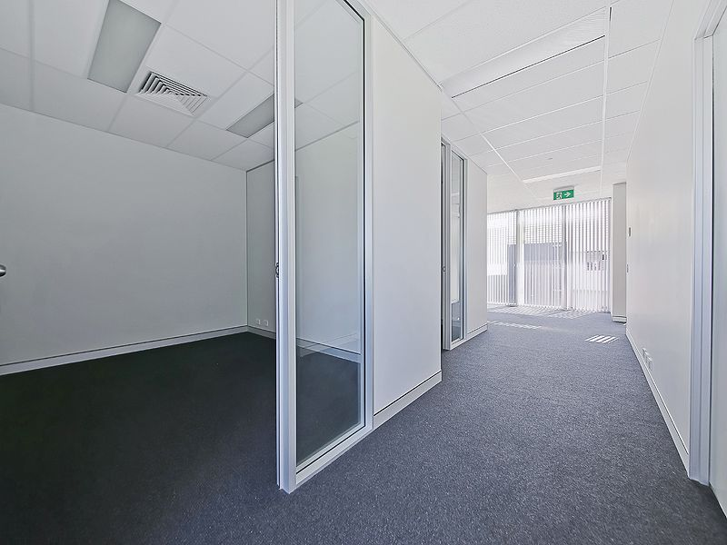 83sqm* MORNINGSIDE OFFICE WITH FIT-OUT